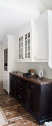 Winslow Paint Grade Door in Antique White; The Cabinetry - MA | Photographer: Daniela Goncalves